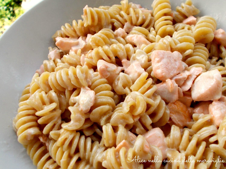 Pasta con salmone fresco e panna Ricetta primo piatto Alice nella cucina delle meraviglie