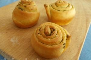 Chioccioline di pan brioche al burro e salvia, ricetta lievitato salato