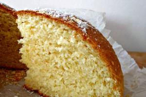 Torta di pan brioche al cocco, ricetta lievitato dolce
