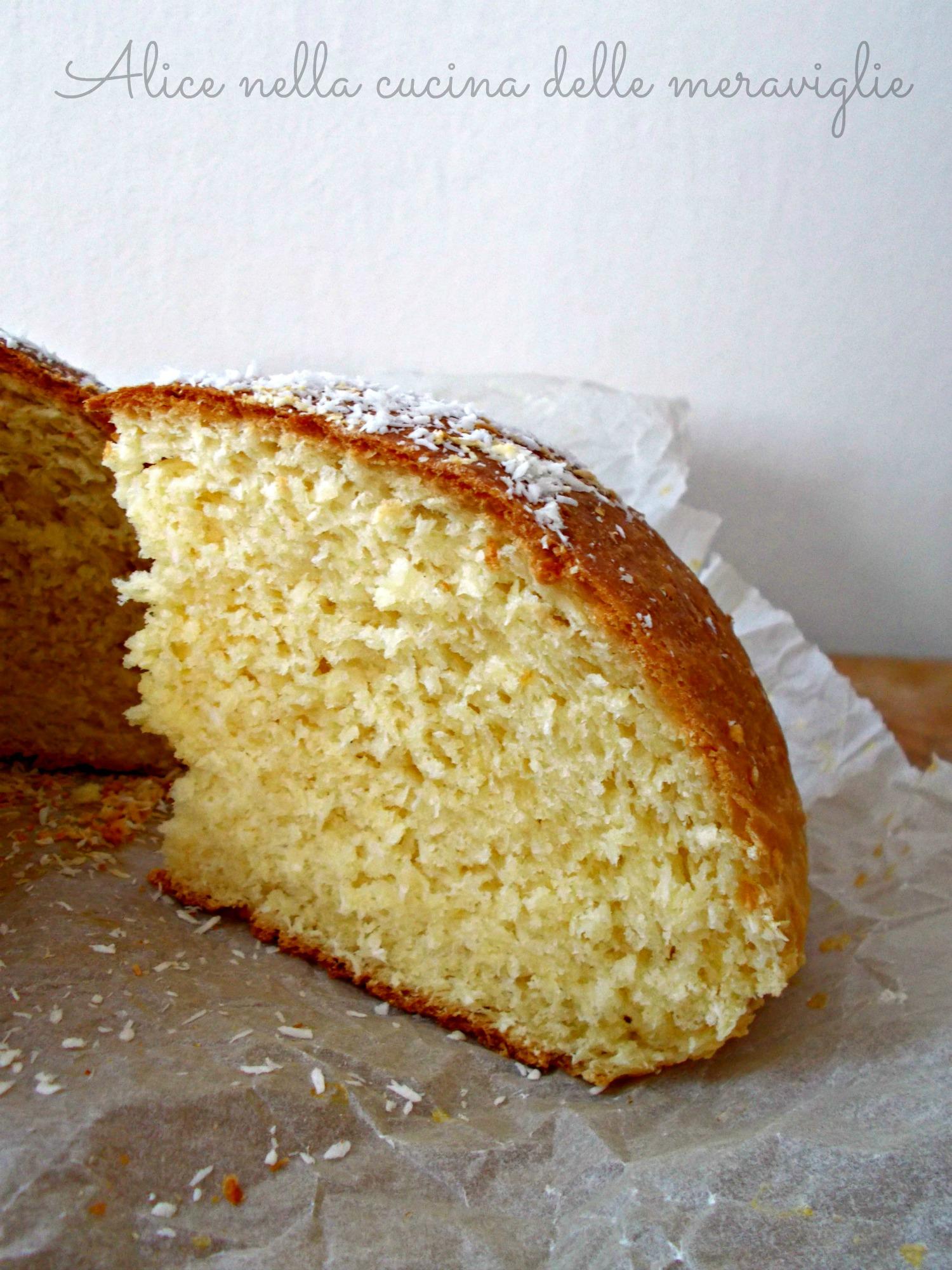 Torta di pan brioche al cocco Ricetta lievitato dolce Alice nella cucina delle meraviglie