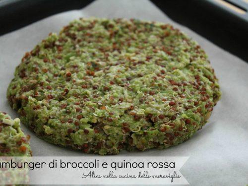 Burger di broccoli e quinoa rossa, ricetta secondo piatto vegetariano