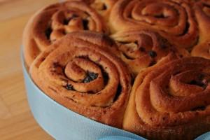 Torta di rose alla marmellata di mirtilli, ricetta lievitato dolce