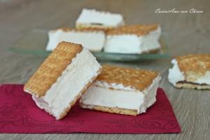 http://blog.giallozafferano.it/cucinadichicca/gelato-biscotto-con-panna-e-nutella/