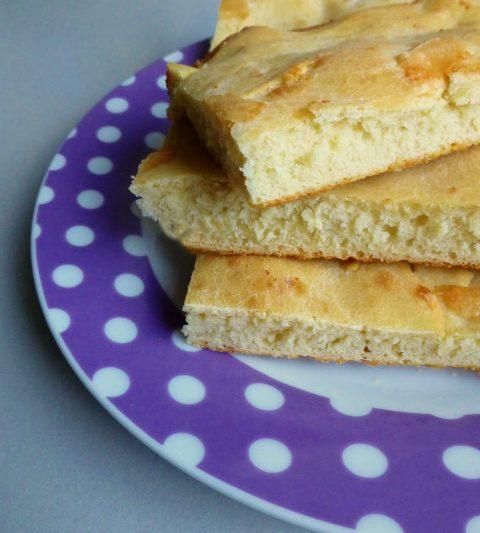 Focaccia al formaggio con pasta madre