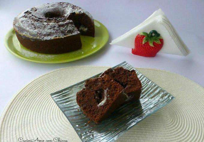 Ciambella al cacao con crema di mascarpone