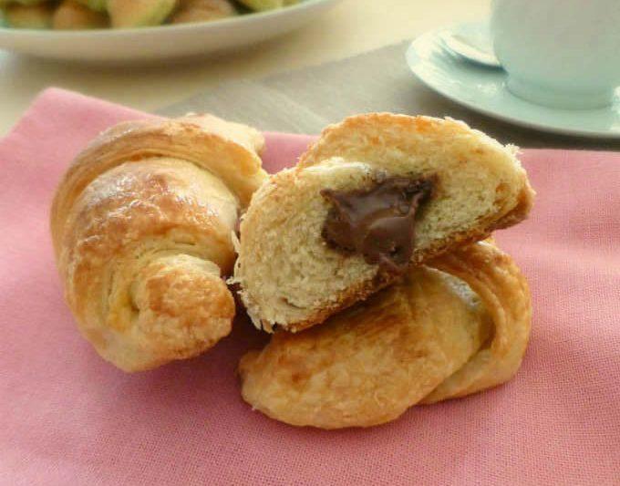 Croissant sfogliati con lievito madre