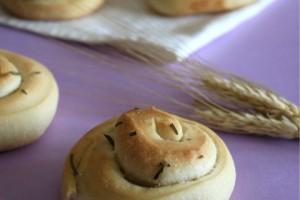 Panini al rosmarino con lievito madre
