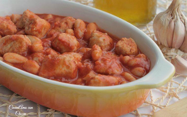 Fagioli in umido con salsiccia