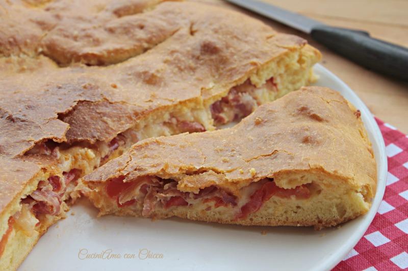 Pizza ripiena al prosciutto | CuciniAmo con Chicca