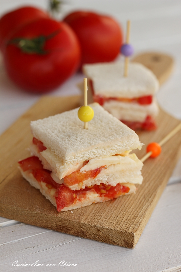 Tramezzini pomodoro e mozzarella |CuciniAmo con Chicca