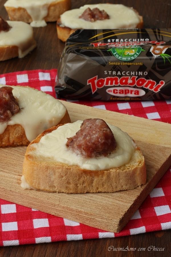 Crostini con stracchino e salsiccia  CuciniAmo con Chicca
