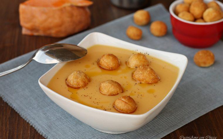Crema di zucca e patate con palline affogate