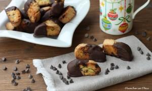 Tozzetti al cioccolato e pistacchi