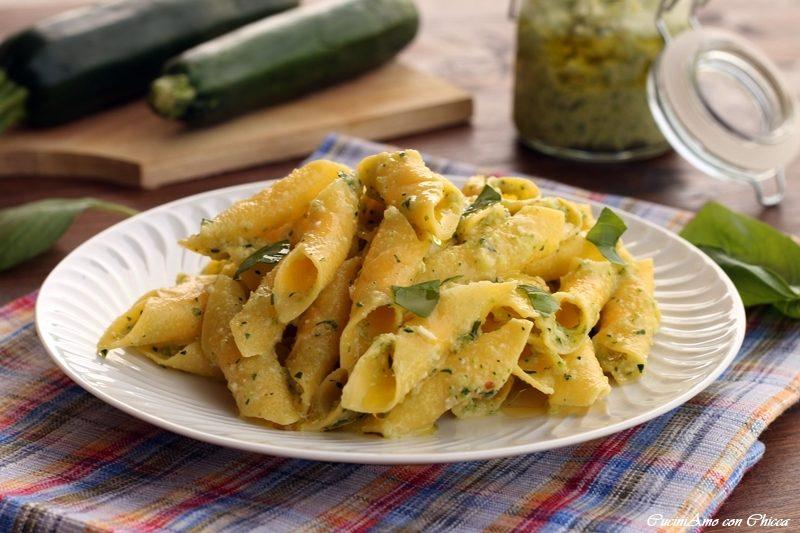Garganelli con pesto di zucchine