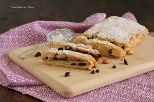 Biscotti arrotolati con ricotta e cioccolato