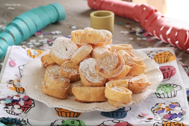 Tagliatelle dolci fritte