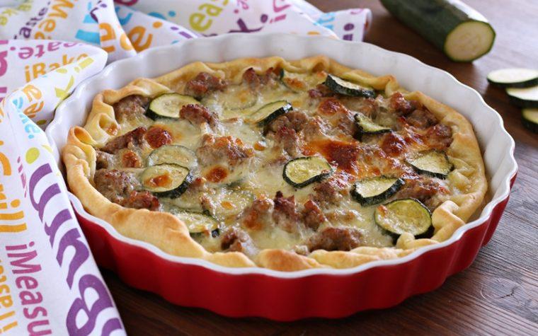 Torta veloce con salsiccia e zucchine