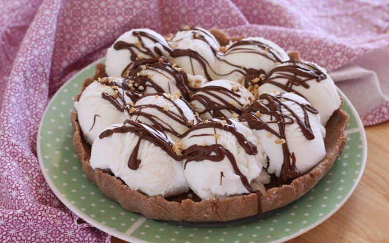 Crostata croccante con gelato