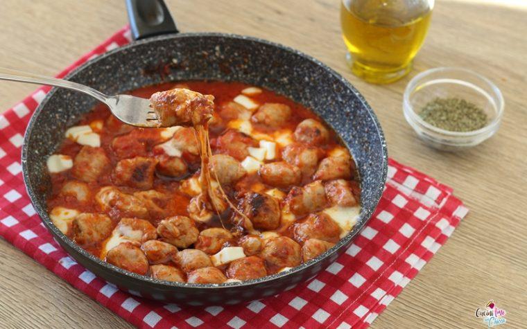 Salsicce al pomodoro in padella