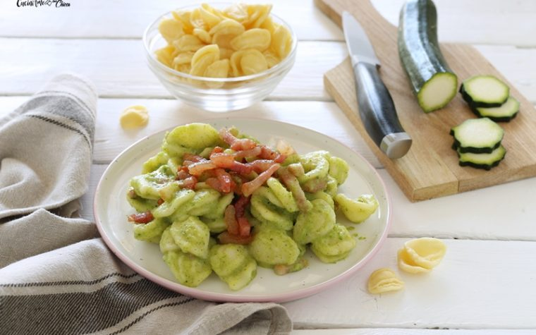 Orecchiette con crema di zucchine e guanciale