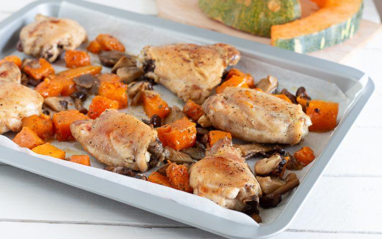 Pollo al forno con zucca e funghi