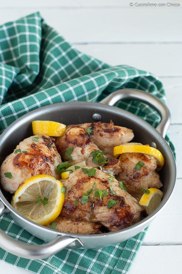 Pollo in padella tenero e succoso