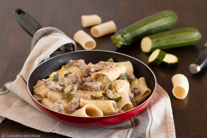 Paccheri con salsiccia e zucchine