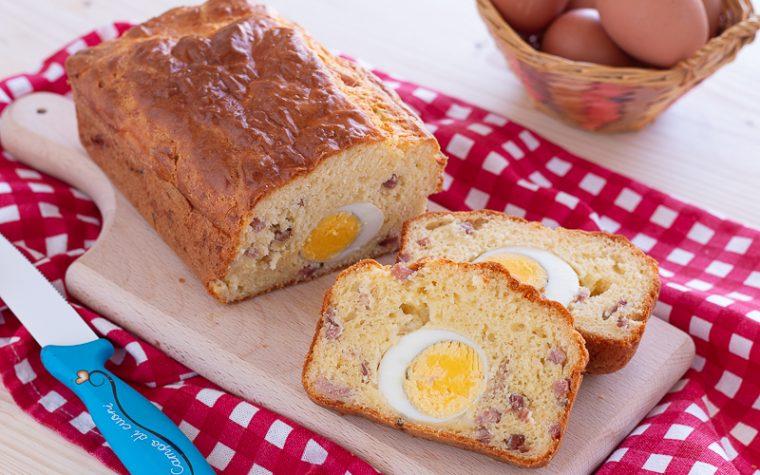 Plumcake con uova sode e speck