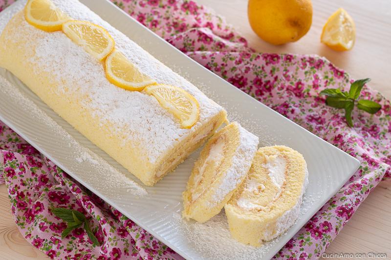 Dolce rotolo con mousse al limone