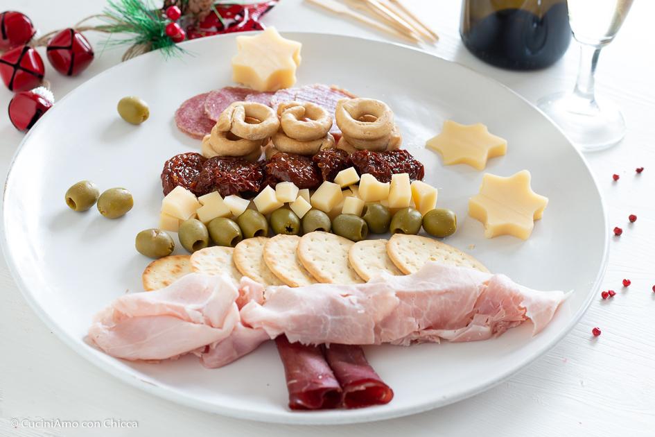 Antipasti Di Natale Buttalapasta.Albero Di Natale Antipasto All Italiana Cuciniamo Con Chicca
