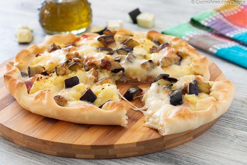 TORTA SALATA PATATE E MELANZANE ricetta gustosissima