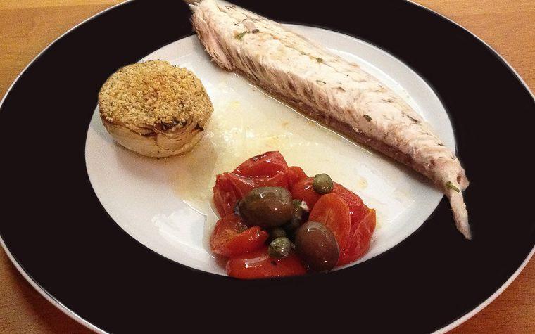 Ricciola al forno con pomodorini e olive al profumo di limone
