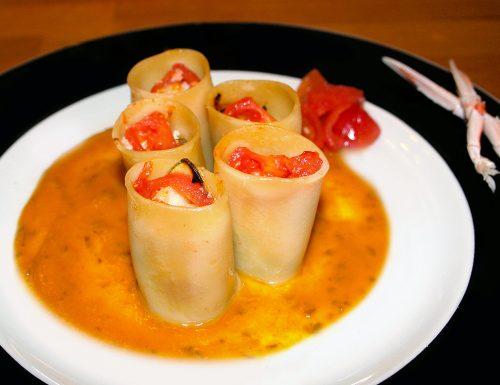 Paccheri ripieni di scampi e zucchine in salsa allo zafferano