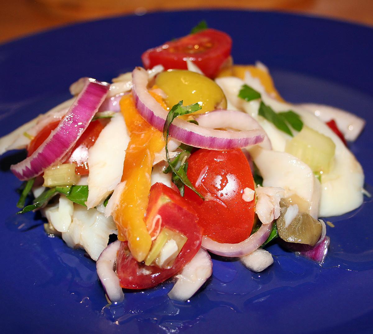 Pesce stocco in insalata con peperoni la cucina di claudio for Strumenti di cucina