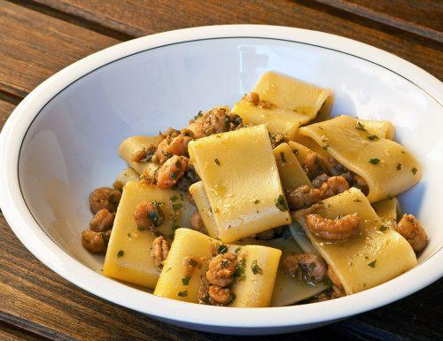 Calamarata con gamberetti, zenzero e salsa di soia