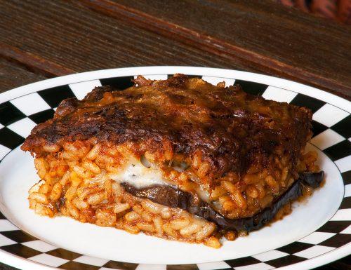 Riso al forno con ragù di gulasch – cucinare con gli avanzi