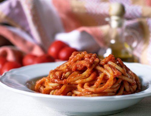 Bucatini all'amatriciana – ricetta tradizionale