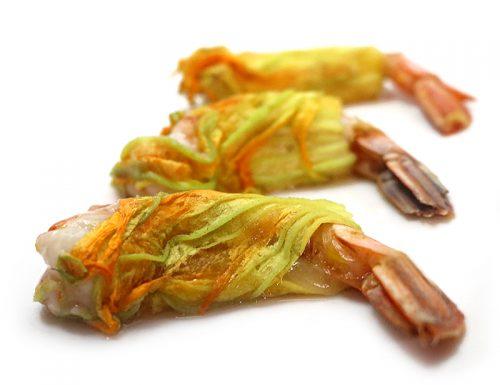 Fiori di zucca ripieni di gamberoni caciocavallo e alici