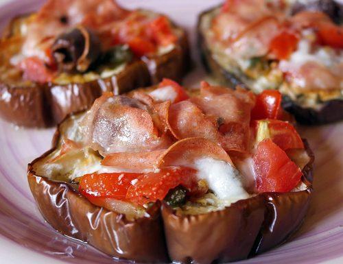 Pizzette di melanzane con mortadella e pecorino
