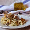 Spaghetti in bianco con le vongole veraci