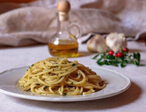 Spaghetti aglio olio e peperoncino – Ricetta originale