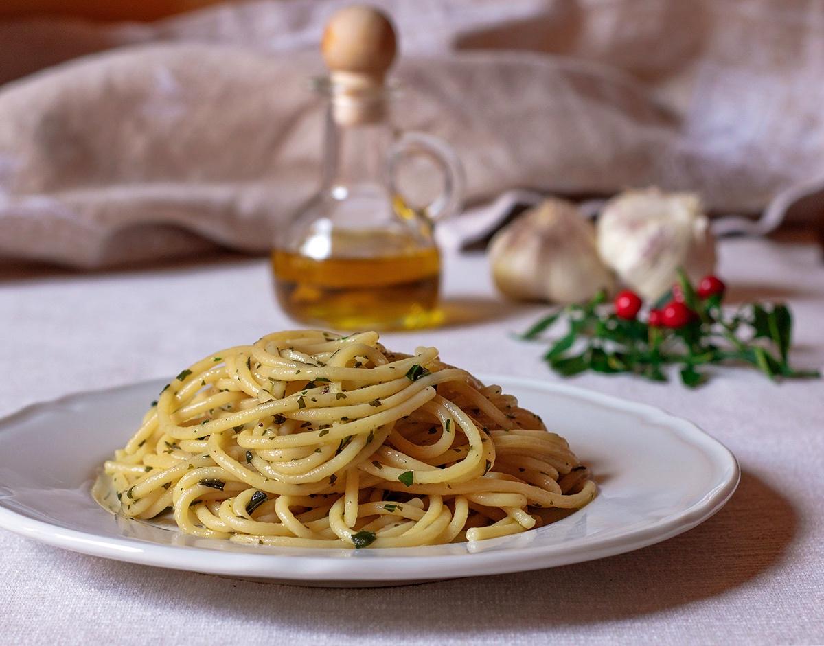 Spaghetti aglio olio e peperoncino - Ricetta originale