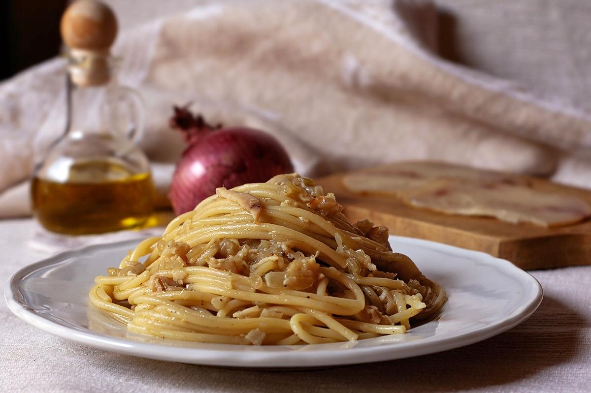 Ricetta spaghetti alla carbonara con pesce spada