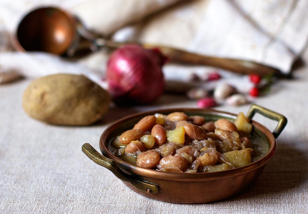 Zuppa di fagioli freschi e patate