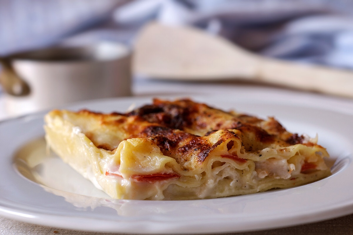 Lasagne in bianco con gamberi e mozzarella