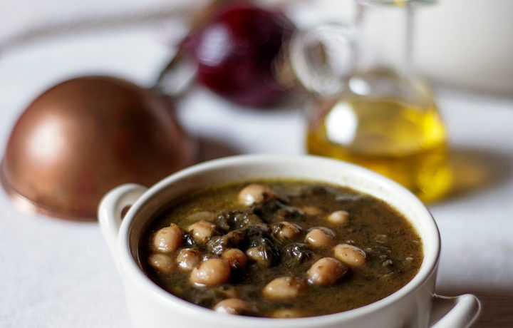 Zuppa di fagioli bianchi e bieta