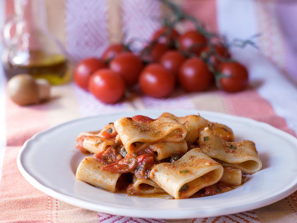 Pasta con pomodorini e bottarga
