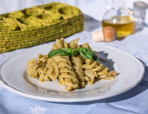 Pasta con crema di melanzane e peperoni all'orientale