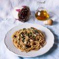 Spaghetti integrali con bottarga, colatura di alici e radicchio