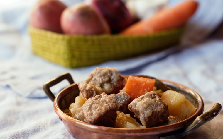 Spezzatino con patate e carote